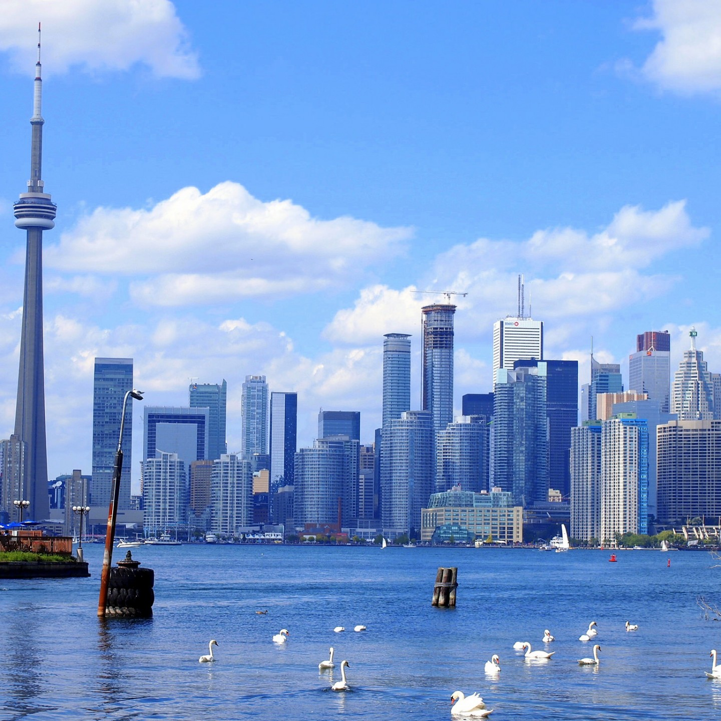 What Every First-Time Traveler Should Know About Canada