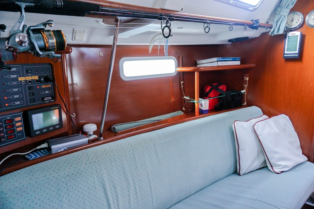 Tom's Cruise Bed on Board Price